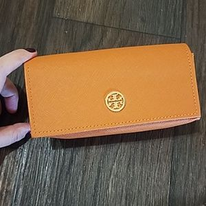 😎 EUC Tory Burch Case